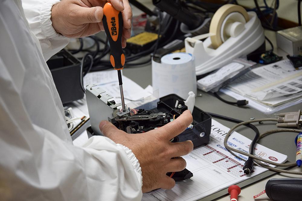 riparazione attrezzature commerciali